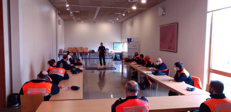 curso de SVB y DESA a Voluntarios de la Agrupación de Protección Civil de Milagro (Navarra).
