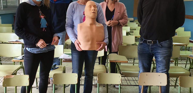 Formación en SVB y DESA impartida al profesorado del Colegio Calixto Ariño.