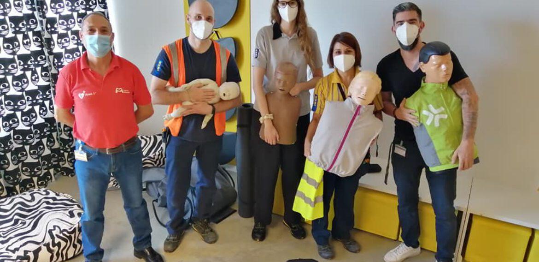 Curso de SVB y DESA a trabajadores /as de IKEA Zaragoza en Puerto Venecia.
