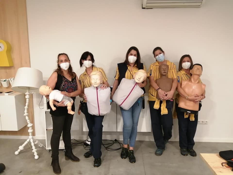 Ultimo curso de SVB y DESA de los cuatro programados para formar a personal de IKEA Zaragoza.