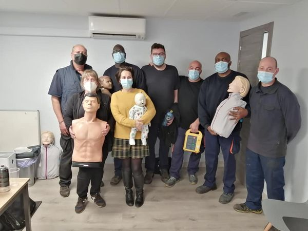 Curso inicial de SVB y DESA a trabajadores de la empresa Faex